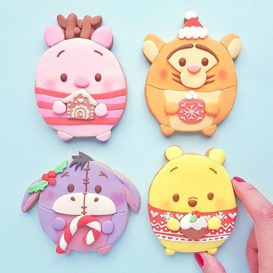 Super adorable Winnie Pooh cookies by Vickie Liu via Instagram
