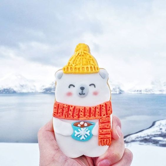 Bear with scarf cookie from Vickie Liu's trip in Norway. Copyright Vickie Liu via Instagram