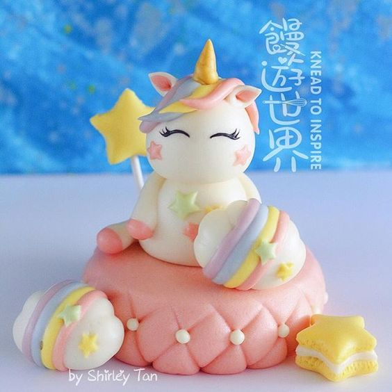 Pastel unicorn by Shirley Tan @KneadtoInspire via Instagram