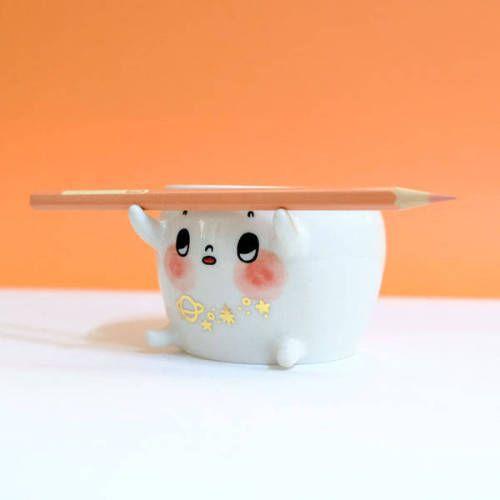 Assistant Bebe original ceramic, by Myostery via Etsy